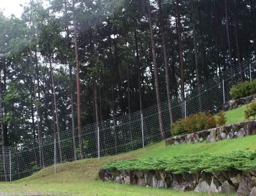 動物の柵を設置して獣害の対策をするなら